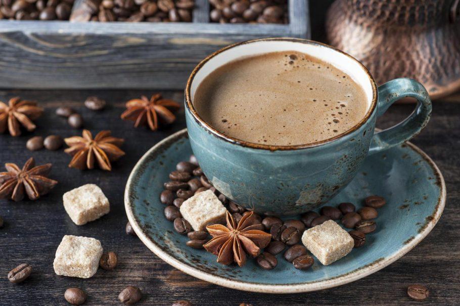 Кофе нужно пить осторожно, не злоупотребляя любимым напитком