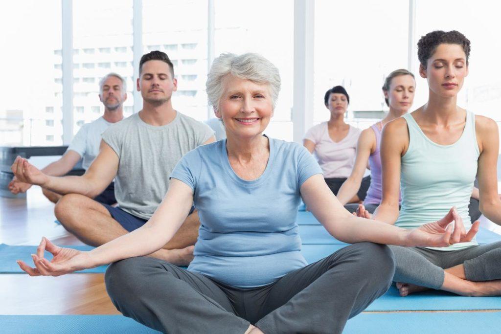 Йога при геморрое - упражнения для лечения геморроя