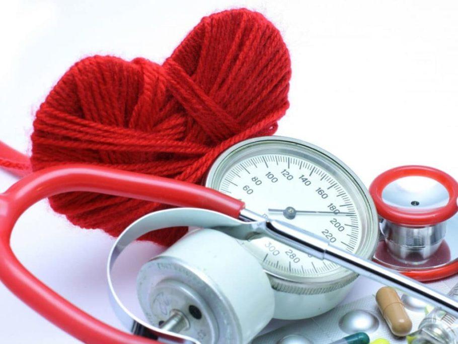 Используется лекарство в составе комплексной терапии при нарушении циркуляции крови хронического характера, для нормализации ритма сердца