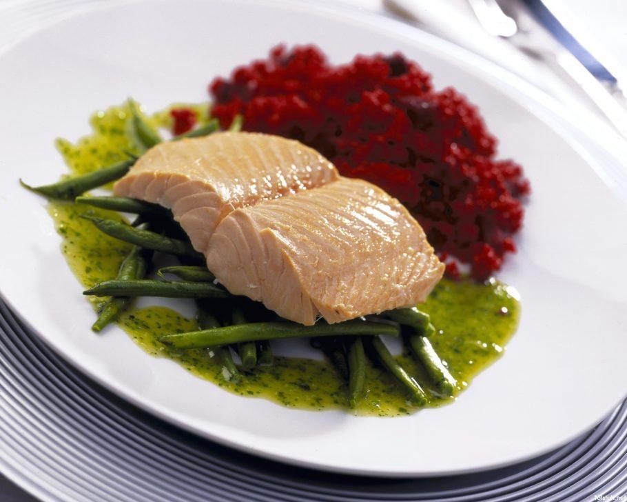 блюдо из рыбы и стручковой фасоли