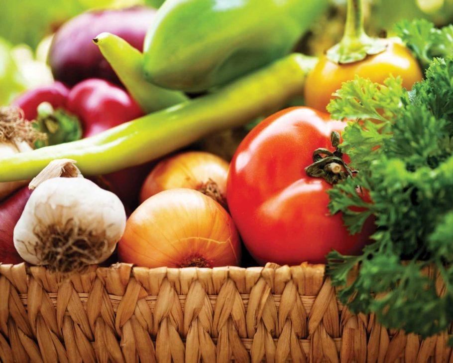 Диета при простатите у мужчин основана на принципах здорового питания и ограничении вредных продуктов