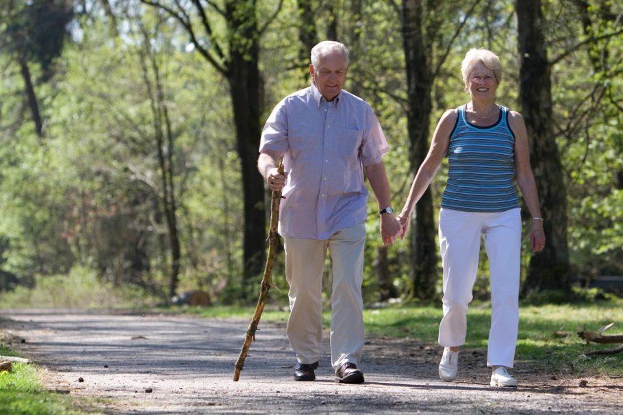 Помимо этого, ЛФК при гипертонической болезни способствует восстановлению сосудистого тонуса и тем самым естественной нормализации артериального давления