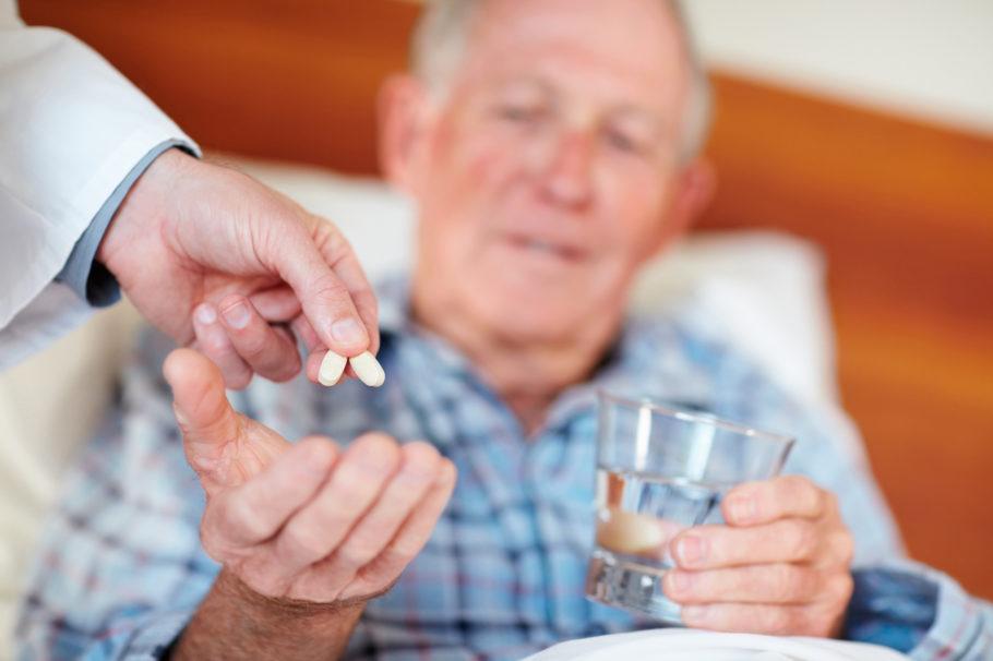 Основная цель лечения гипертонической болезни у пожилых людей – не допустить осложнений в виде инсультов, инфарктов, а также улучшить качество жизни пациента