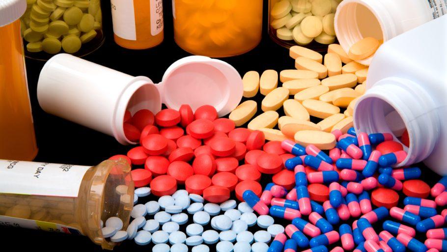 Дополнительно в терапии хронической формы недуга применяются противовоспалительные и спазмолитические средства