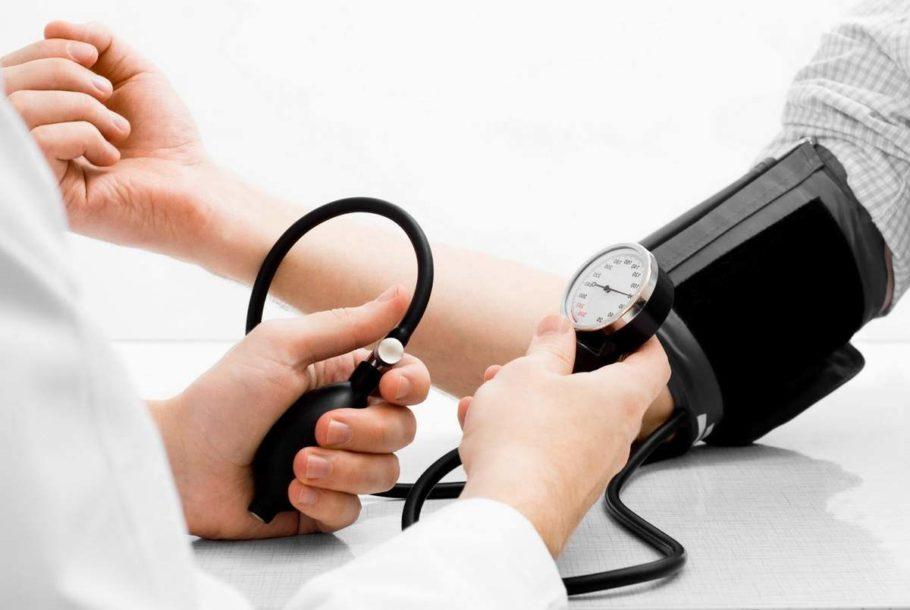 При диагнозе артериальная гипертензия пациент может принимать Спазмалгон, но дозировку выбирает, опираясь на инструкцию по применению