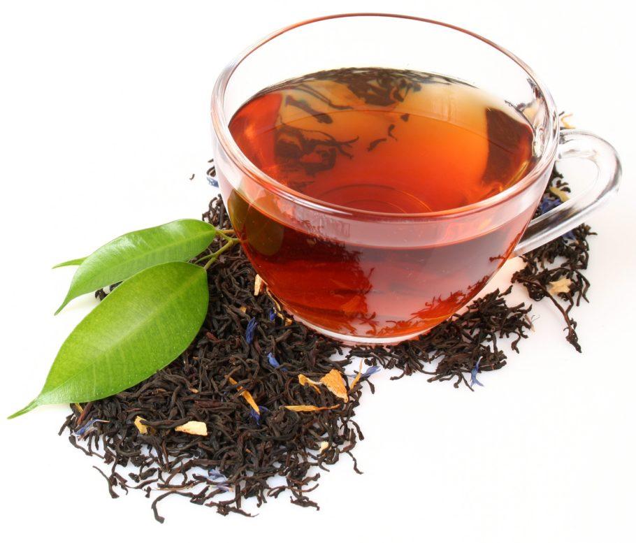 Сладкий чай при резком повышении АД нормализует показатели, не оказывая негативного влияния на организм