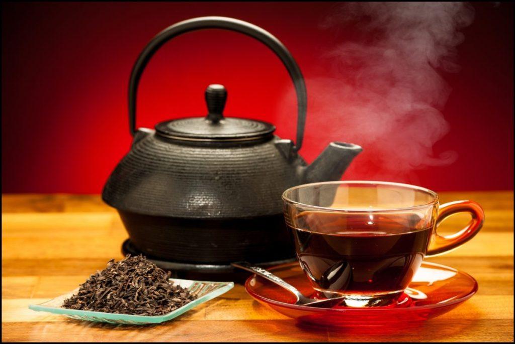 Повышает или понижает давление крепкий чай: черный чай с лимоном, сладкий красный иван чай