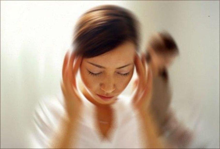 Плохое самочувствие от высокого давления сопровождается головокружением, тошнотой и рвотой