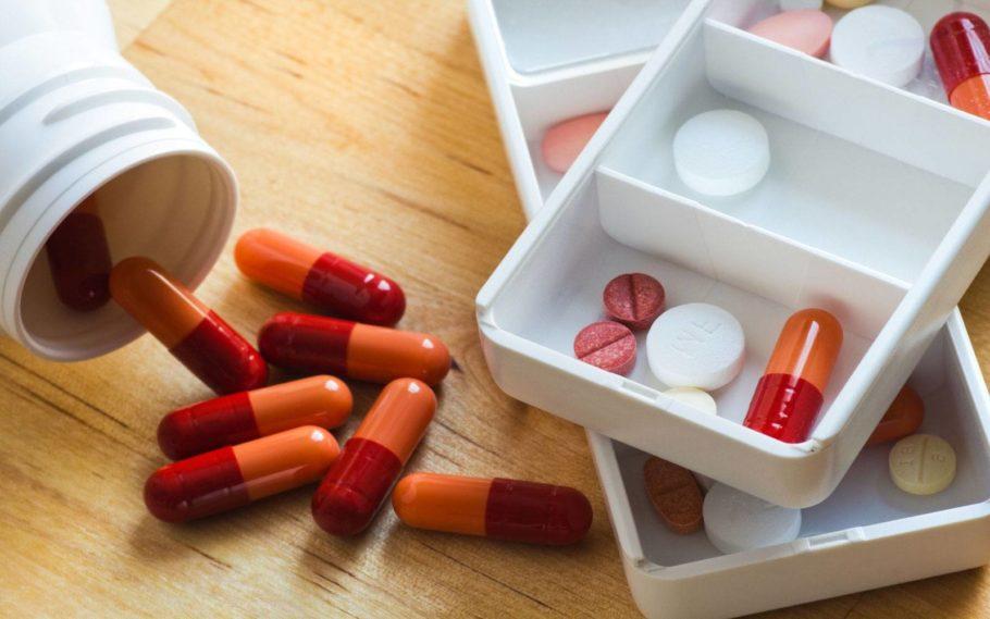 Насколько эффективны лекарственные средства, зависит от степени тяжести аденомы и симптоматики, которую она проявляет