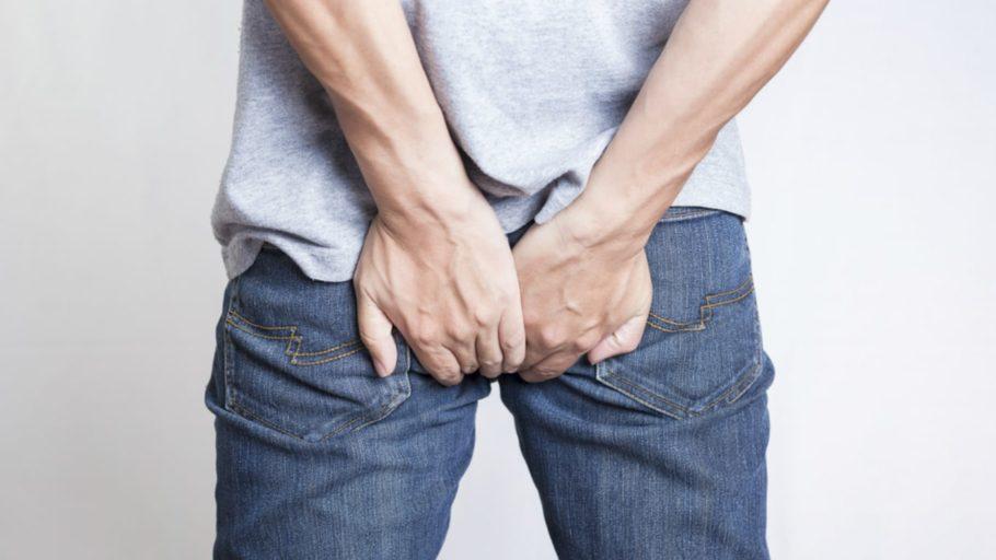 При первичном развитии воспаления предстательной железы существует высокая вероятность возникновения проблем в работе прямой кишки