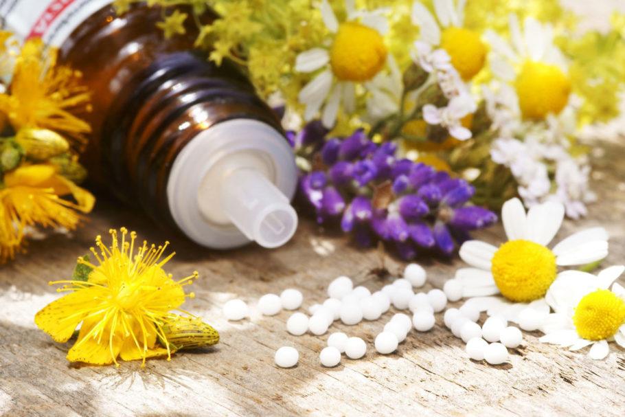 При лечении вегето-сосудистой дистонии широко применяют отвары и настои из лекарственных трав